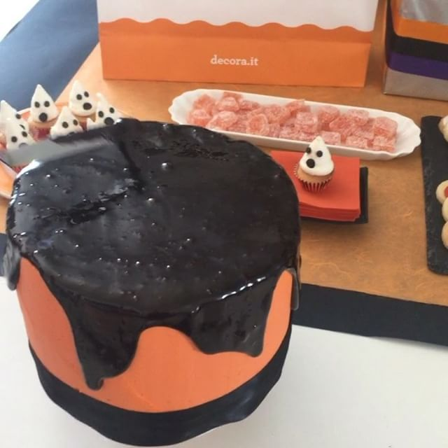 Halloween Preview! #Halloween #halloweenparty #halloweencakepops #halloweenfood #cake #cakedesign #cakeart #cakelove #cakedesigner #cute #me #picture #foodlover #cakedecorating #cakedecorations #foodpics #cakes #love #cute #fashioncake #