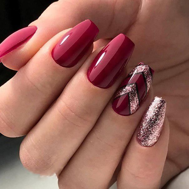36+ Pretty Trending Fall Nails; coffin nails; Fall gel nail; short burgundy nails; burgundy cute nails; burgundy matte nails; burgundy glitter nails.