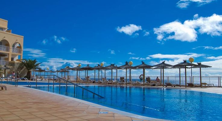 SBH Jandia Resort Hotel Morro del Jable The SBH Jandia beach resort, on the south-western coast of tropical Fuerteventura, has all of the facilities to be a real ocean paradise.