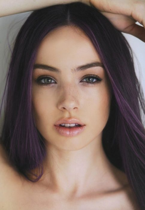 Natural makeup that emphasizes beautiful features.  of course I love the purple hair.