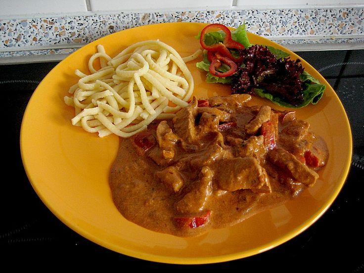 Schweinegeschnetzeltes mit Paprika - Tomatensoße, ein tolles Rezept aus der Kategorie Schwein. Bewertungen: 37. Durchschnitt: Ø 4,4.
