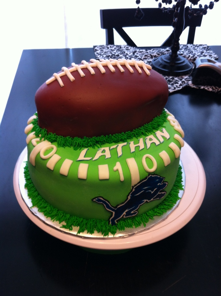 Detroit Lions Football Cake Travis would really like this cake if I made it for him alot of work though