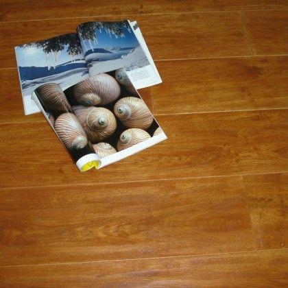 Pavimento in legno piallato a mano