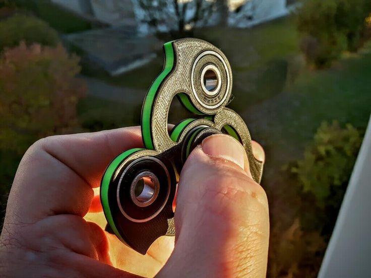 Fidget Spinner The 50 Coolest Tricks for Your Fidget Spinner