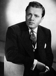 Actor and dirctor Sir RICHARD ATTENBOROUGH has passed away at age 90. What a remarkable career! RIP.