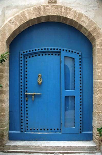 Blue door...Morocco: The Doors, Doors Design, Blue Doors, True Blue, Blue Front Doors, Morocco Doors, Doors Close, Feelings Blue, Cool Doors