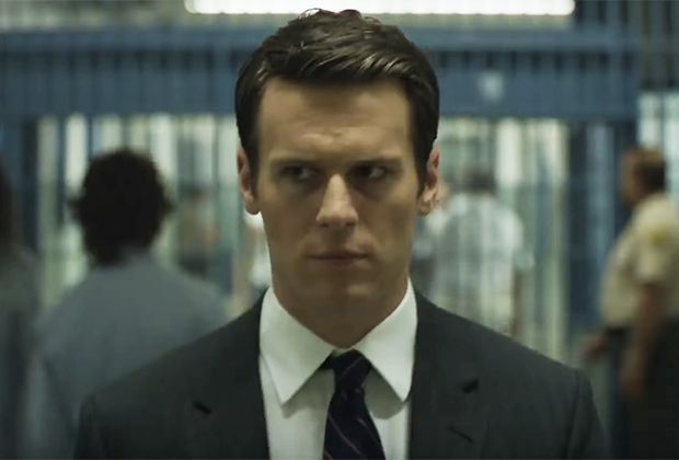 If you thought Rachel Berry was a tough nut to crack, just wait until you see who Jonathan Groff is going up against this time. Groff (Looking, Glee) stars in Netflix's upcoming crime dramaM…