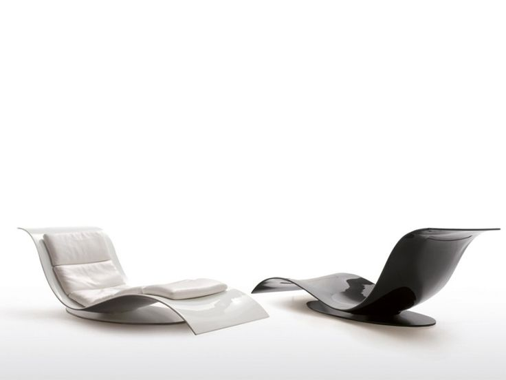 Chaise longue in poliuretano eli fly by dsire design jai for Chaise scandinave plexi