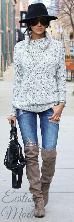 BOTAS ARRIBA DE LA RODILLA PARA ESTE OTOÑO-INVIERNO Hola Chicas!!! Les dejo una galería de fotografías de outfits con botas altas (arriba de la rodilla) para este otoño-invierno 2016-2017, creo que le da un toque muy sexy a cualquier outfit.