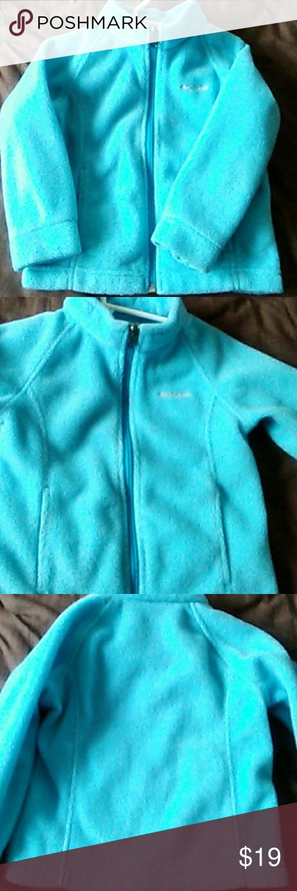 COLUMBIA Coat Size 3t Light blue coat in great condition with no stains or tears. Comes from a smoke and pet free home. Columbia Jackets & Coats