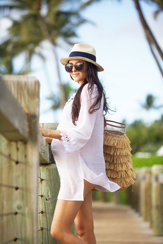 Are you taking a  babymoon before your little one comes into the world?  Here's what you need to pack for your sweet vacation in the sun. Everything  you need to take with you and outfit ideas for the beach. Take a look at  how to create a babymoon vacation capsule wardrobe.