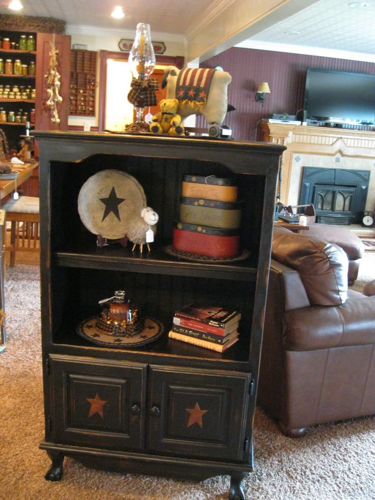 Cabinet.... Perfect for old cabinet I found!!