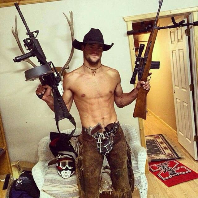 https://i.pinimg.com/736x/db/a9/9d/dba99de9a350ce732f0f8d0a1869efcb--farm-boys-country-guys.jpg