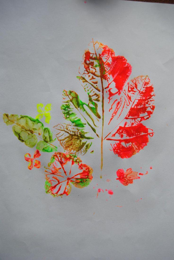 La impronta de la naturaleza: Realizado con acrílicos fluorescente y papel de dibujo grueso. Varios tipos de hojas venosas.