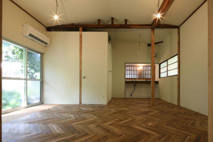 皆さま、こんにちは。ルーヴィスの福井です。vol.1では、「古さを、懐かしさにかえる」と題して手探りでやっていた頃の「みどり荘」のお話をしましたが、今回は、古い物件でも競争力は新築以上に出せると確認した「築年数不詳。木造平屋のリノベーション」のお話です。…