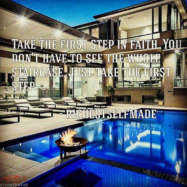 #JustDoIt #lifestyle #millionaire #inspiration #motivation  #billionaire #follow #luxury #mansion #entrepreneur #startup #successstory #richestselfmade #success @billiondollarclub via @visualizewealth