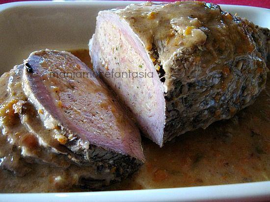 La ricetta dell'arrosto di vitello farcito, con un ripieno gustosissimo. Perfetto per un pranzo importante, è semplice da preparare seguendo questi consigli
