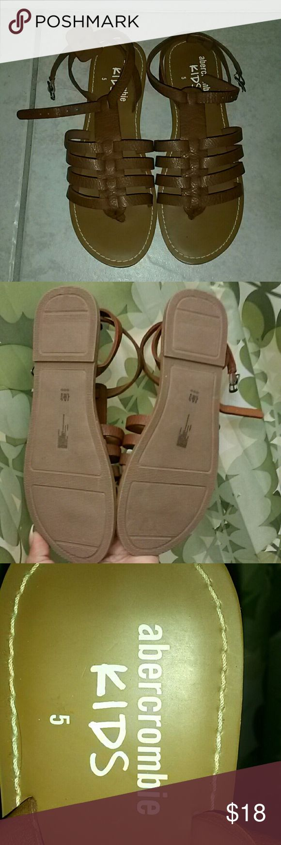 Abercrombie girl s sandal Brown Abercrombie girls sandals size 5 excellent condition Abercombie Kids Shoes Sandals & Flip Flops
