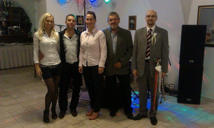 A Molnár család, Anikó, Écsi Zoli bá, és én, most pénteken, békésen, Békében.