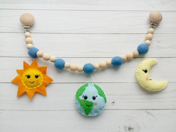 Kinderwagenketten - Sonne, Erde, Mond kinderwagenanhänger - ein Designerstück von ovk7474 bei DaWanda