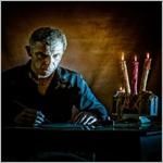 """Abramo Trestini   Abramo Trestini nasce il 16 febbraio 1963 nella città dotta  Bologna. I suoi studi, un diploma in informatica ed uno in fotografia, lo portano per alcuni anni a lavorare come  fotografo professionista ed ora  come ama definirsi è un """"traghettatore di anime stordite dalla frenesia del mondo"""" ."""