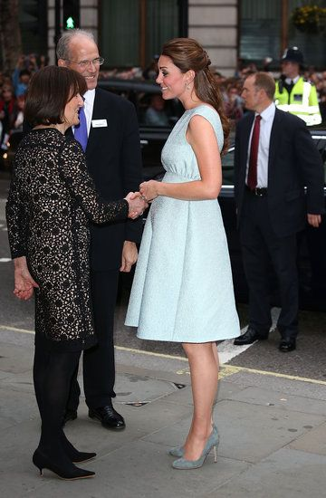 Pregnant Kate Middleton in Blue Dress at The Art Room