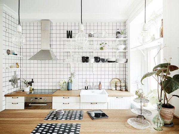 Högt och fritt belägen sekelskiftestvåa med balkong ‹ Dansk inredning och design