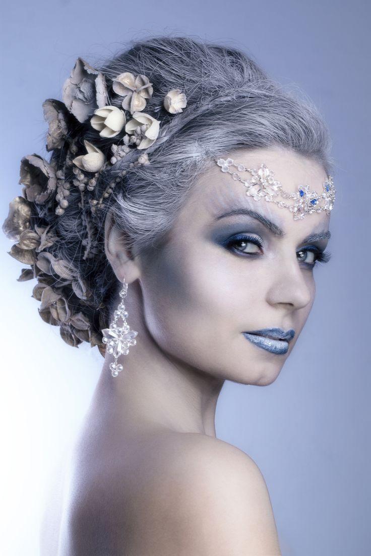 model: Joanna Buława foto: Jakub Karwala make-up, hair : Agnieszka Pąchalska