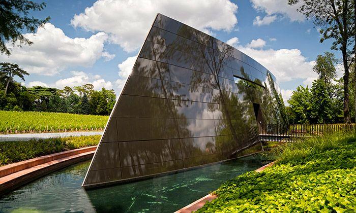 Slavný francouzský designér a architekt Philippe Starck navrhl a postavil pro vinařství Château Les Carmes Haut-Brion nový vinný sklep určený pro výrobu vína. Stavba připomínající vesmírnou loď nebo futuristické plavidlo se v areálu vinařství vznáší na ...