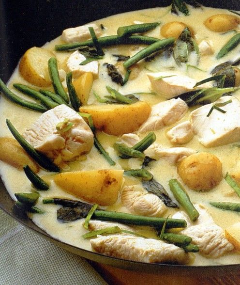 Thai Green Chicken Curry, easy to prepare, 20 minutes to cook, totally delicious and only 245 calories - perfect for the 5:2 Diet.