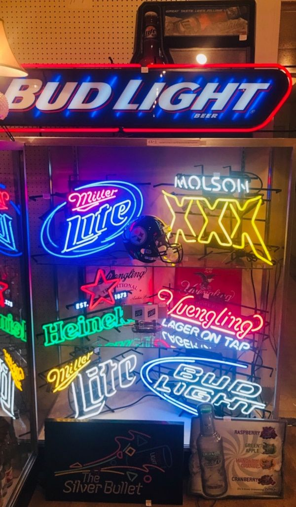 Used Neon And Lighted Beer Signs New And Vintage For Sale In Wilkes Barre Letgo Beer Signs Neon Signs Letgo