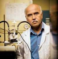 Scientists have discovered that carbon dioxide captured from the air can be directly converted into methanol fuel.
