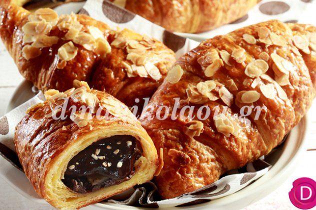 Η Ντίνα Νικολάου μας φτιάχνει κρουασάν γεμιστά με σοκολάτα για το πιο νόστιμο & εύκολο πρωινό | eirinika.gr