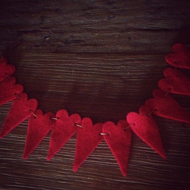 Experimenting with garland kits. #missamakes #etsy #missamakesandco
