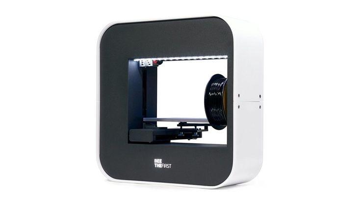 Der BEEVERYCREATIVE BEETHEFIRST 3D-Drucker im Test ist ein elegant gestalteter 3D-Drucker, der einfach einzurichten und zu betreiben ist. Es bietet eine hervorragende Druckqualität, aber sein Preis kann für viele unerschwinglich sein, besonders da ähnliche Konkurrenzprodukte günstiger ausfallen.