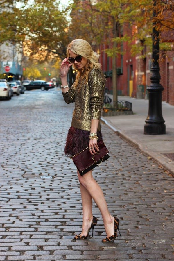 Metallic cable-knit sweater, Burgundy feathers