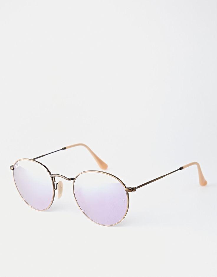 My all time fave sunglasses shape! RayBan I love you!