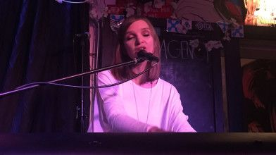 Wuthering Heights, Drum fills and hilarity. A great night with Sarah Belkner and Katie Wighton at The Newsagency
