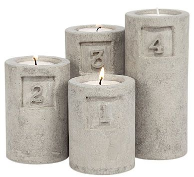 Concrete candle holder. This could be an easy DIY.