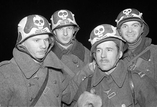 """Finnish soldiers, who presumably are a part of the 5th Light Detachment (Kev Os 5) """"Company of Death"""" Summa, 1939.12.20 Winter War"""