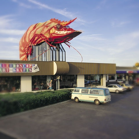 #Ballina Queensland.  And this is from its better days, although the new owners have recently pledged to spruce it up again! > Paris may have the Eiffel Tower. New York may have the Chrysler Tower. Australia has the Big Prawn. #hooroo #byronbay