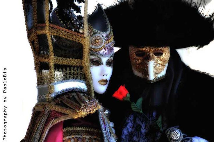 #beauty #Paolobis #Venice #Carnival #Mask #Venezia  #Carnevale  #Flickr  #love  #lovers #rose #couple