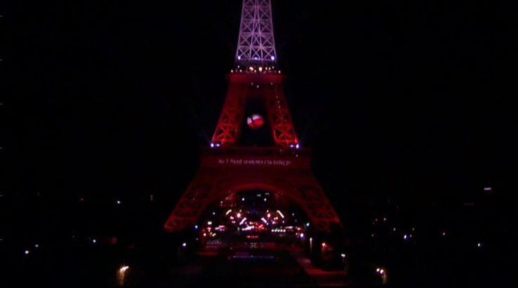 Zdjęcie numer 4 w galerii - Udało się! Biało-czerwona wieża Eiffla! A wszystko to dzięki WASZYM głosom