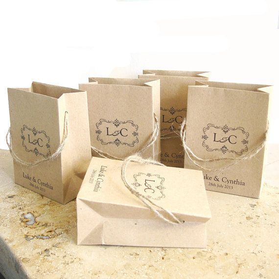 with natural twine handles. This bag is useful to wrap sweets / gifts ...