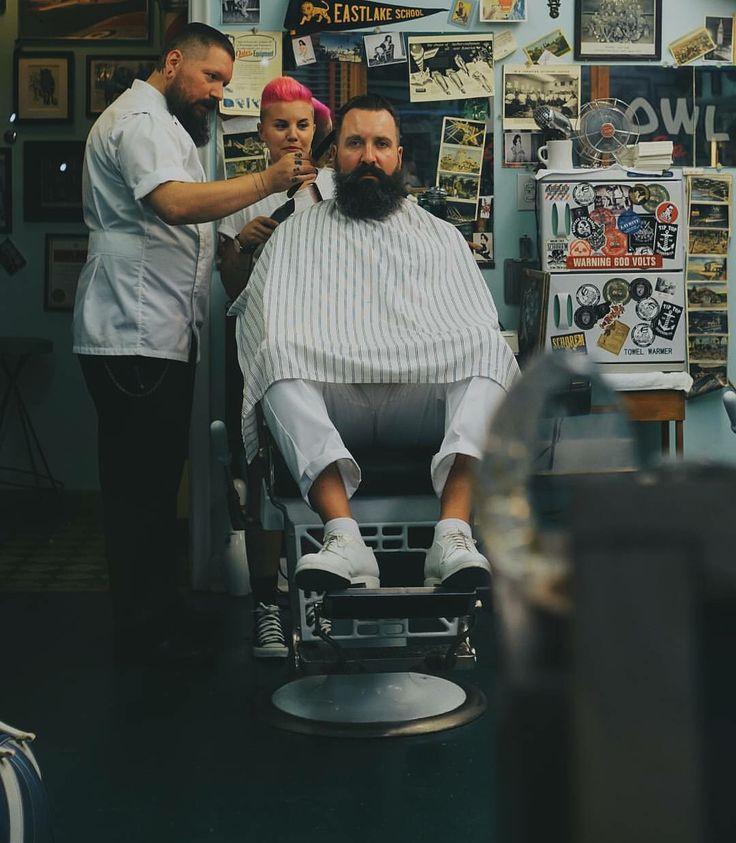 Barber Realty : 1000+ images about Barber Shop on Pinterest Barber chair, Barber ...