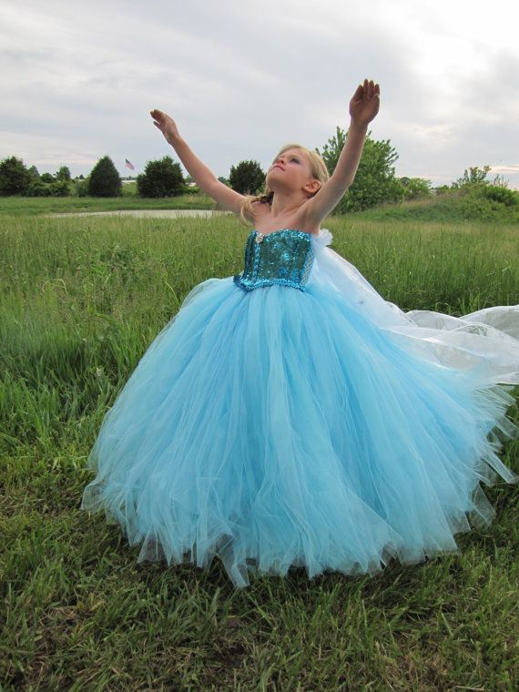 LOve this but with straps I think. Elsa costume, Frozen costume, Frozen dress, Elsa dress, Snow queen,Snow Princess,Elsa Princess, flower girl dress, Disney Character costume