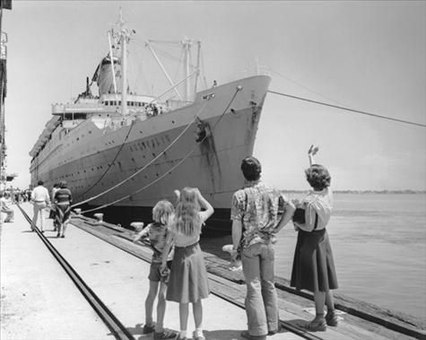 Australia's Last Migrant Ship, the Australis arrives in Melbourne in December 1977The last government assisted migrant ship to come to Australia was the Australis in 1977. Its departure ended a long and important chapter in Australian migration.