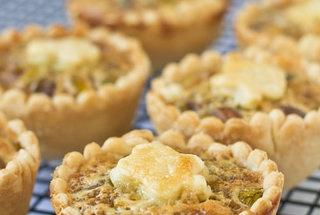 Mini Honey Pistachio Pies | pies and tarts | Pinterest