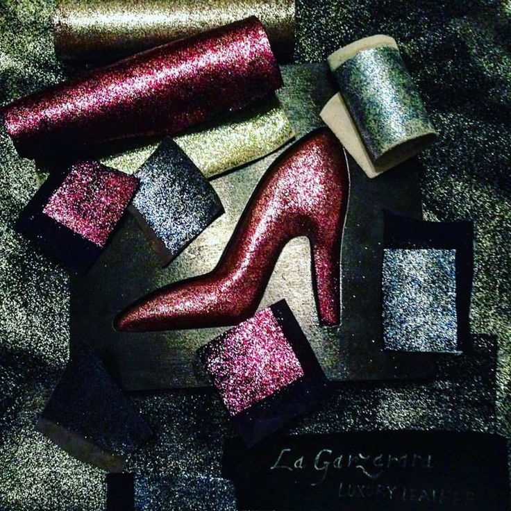 Still in love with Glitter? Let s try our special glitter  Soon mix of glitter in the same leather skin by hand  #lagarzarara #leather #pellami #craftglitter #glittershoes #glittermania #glitter #glittercrafts #instashoes #luxuryshoes #preciousshoes #luxuryleather #luxurycraft ##shoes #luxurystyle — presso La Garzarara.