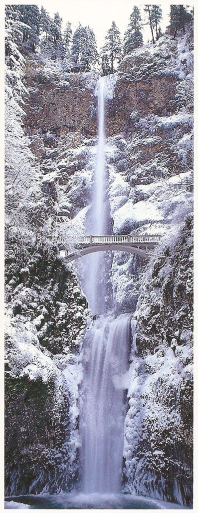 Winter, Multnomah Falls, Columbia River Gorge National Scenic Area, Oregon